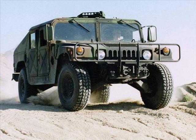 装甲車 イヴェコLMV 価格 - とれ...